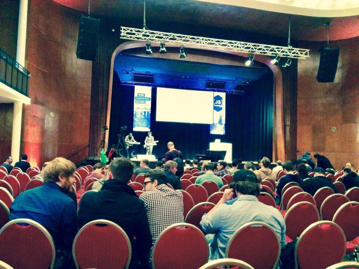 Tag 332/2016: JS-Kongress in München