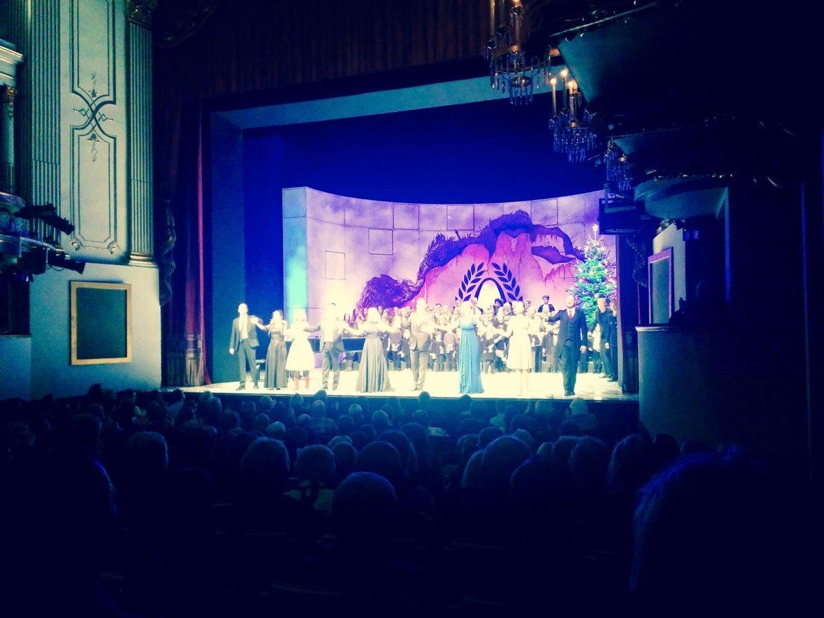 Tag 358/2016: Weihnachtsbenefizkonzert 2016 im Theater Regensburg
